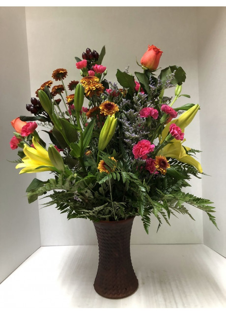 Lovely Mixture of Lilies, Spray Roses, Mums and Caspia